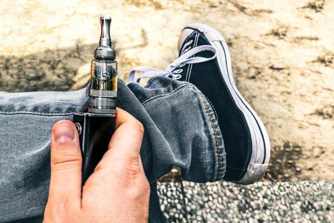 Vaping Poses Serious New Health Risk | Carilion Clinic Living
