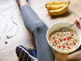 oatmeal, workout shoes and healthy snack for your workout