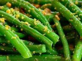 close-up photo of sauteed lemon garlic green beans