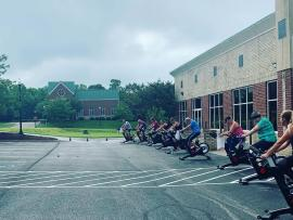outside exercise class during COVID-19